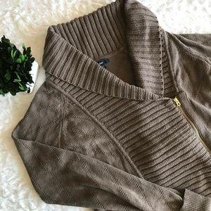 🌼2/$25🌼 Gap Light Brown Side Zip Knit Sweater